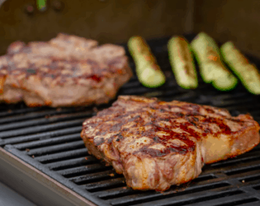 grilling meat in gas
