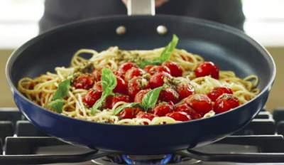 cooking in nonstick pan