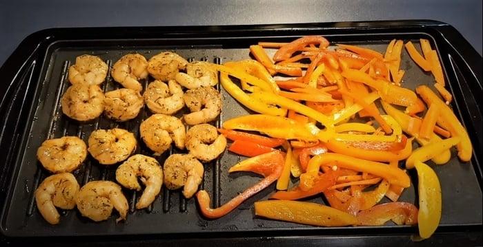 Shrimp and tomatos