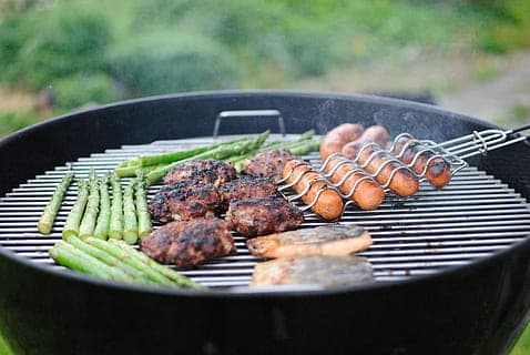 Beginners Guide on How to Use Kettle BBQ