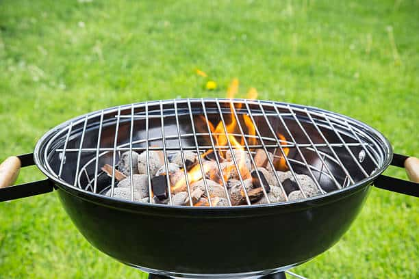 how to keep charcoal grill lit